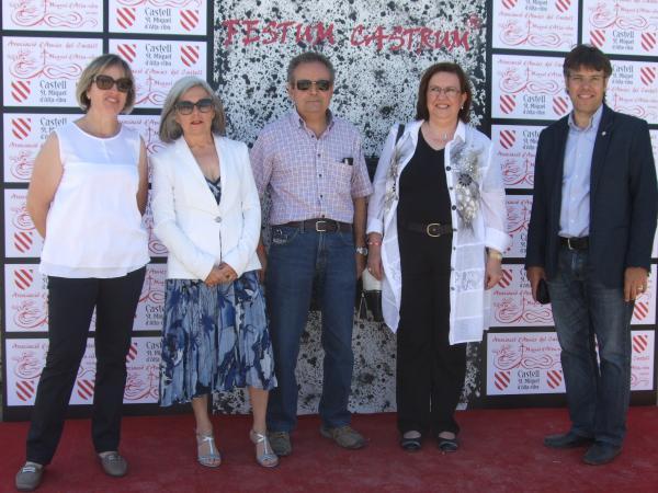 15.06.2014 Photocall de la V Festum Castrum - Autoritats assistents a la diada  Alta-riba -  AACSMA