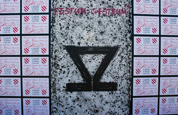 15.06.2014 V Festum Castrum -Photocall diada - Fi de l'etapa - Lletra OMEGA  Alta-riba -  Miquel Torres
