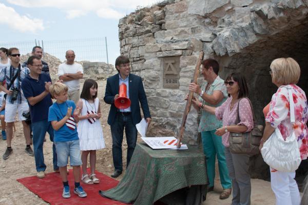 15.06.2014 V Festum Castrum - Lliurament del retaule de Sant Miquel  Alta-riba -  Miquel Torres