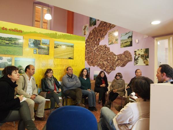 reunió entre entitats, veïns i polítics als Prats de Rei - Els Prats de Rei