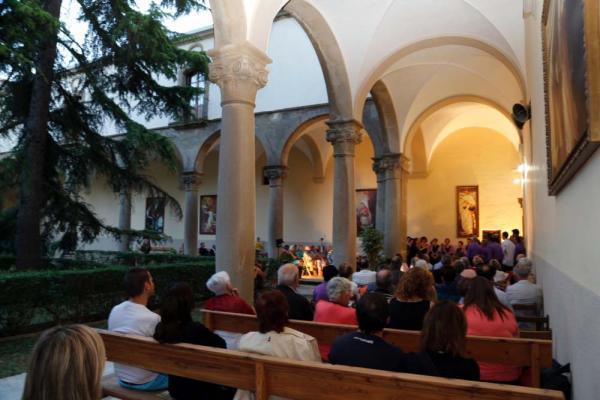 28.06.2014 Actuació de la Coral de Sant Ramon al claustre del Santuari  Sant Ramon -  CC Segarra