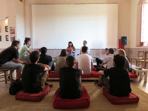 12.07.2014 taula rodona amb Judith Colell directora de cinema  Montornès de Segarra -  Lo Cercacurts