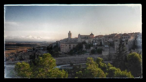 19.08.2014 vista de les muralles  Cervera -  Ramon Sunyer