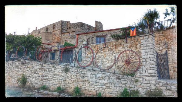 23.08.2014 decoració amb rodes de carro  Santa Fe -  Ramon Sunyer