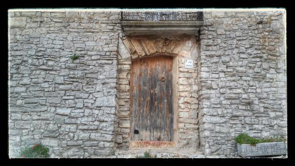 23.08.2014 detall casa  Montfalcó Murallat -  Ramon Sunyer