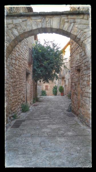 23.08.2014 arcada  Montfalcó Murallat -  Ramon Sunyer