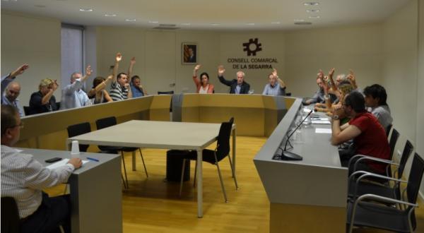 25.09.2014 El ConsellComarcal de la LaSegarra ha votat a favor la moció consulta del 9N2014 amb només un vot en contra  Cervera -  CC Segarra