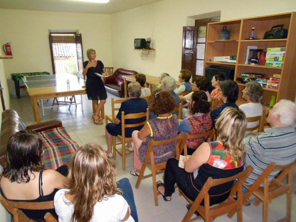 22.09.2014 xerrada Com més actiu més viu, a càrrec de la psicòloga Anna Carné  Bellveí -  Ajuntament TiF