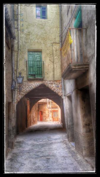 05.09.2014 Portal del carrer sense cap  Torà -  Ramon Sunyer