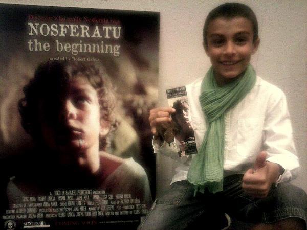 Dídac Moya, amb el cartell de la pel·lícula - Sitges