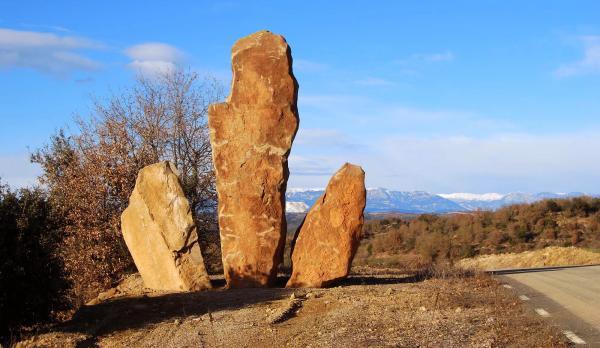 06.02.2015 Monolits a mas Castellanes  Ardèvol -  Ramon Sunyer