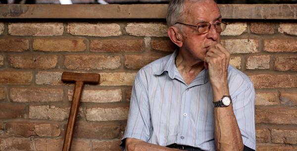 cartell Documental i col·loqui 'Pere Casaldàliga, les causes i la vida'