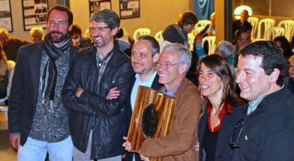 representants de les entitats organitzadores, amb Carles de Ahumada i Lidia Pujol