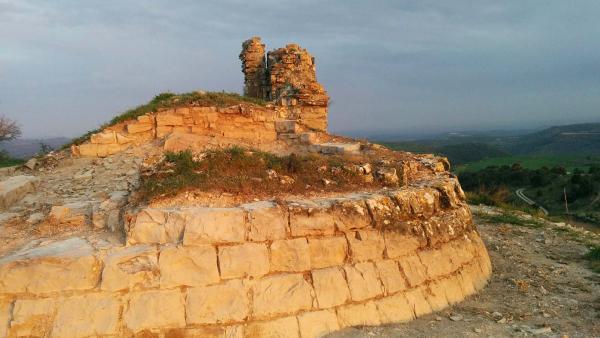 11.04.2015 Restes del castell  Segur -  Ramon Sunyer