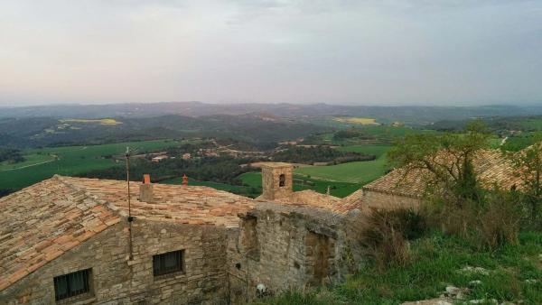11.04.2015 vista del poble  Segur -  Ramon Sunyer