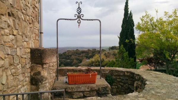11.04.2015 Cisterna de la rectoria  Segur -  Ramon Sunyer