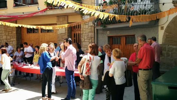 10.05.2015 actes a la plaça  Palou -  Ramon Sunyer