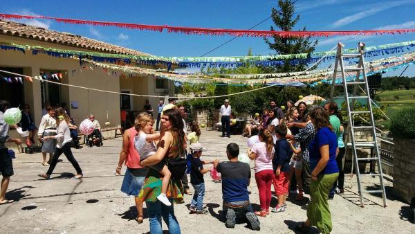 10.05.2015 jocs de cucanya pels més petits  Bellmunt de Segarra -  Ramon Sunyer