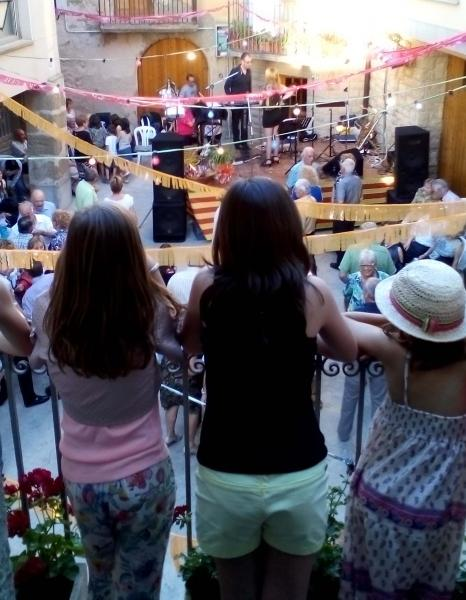 11.05.2015 ball llarg amb Iris Grup  Palou -  Aj TiF