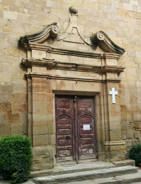 02.05.2015 porta de l'església  Hostafrancs -  Ramon Sunyer