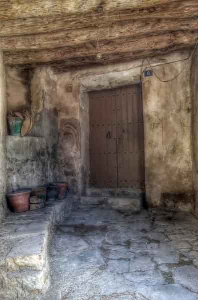 17.05.2015 detall entrada casa  Montpalau -  Ramon Sunyer