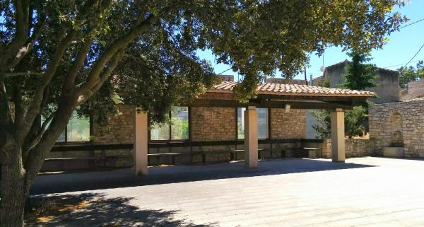 17.05.2015 plaça de l'església  Montpalau -  Ramon Sunyer