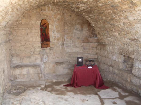 Estança engalanada pels nomenaments dels nous Amics i Amigues del Castell St Miquel d'Alta-riba - Alta-riba