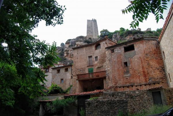 14.06.2015 Detall del poble  Santa Perpètua de Gaià -  Ramon Sunyer