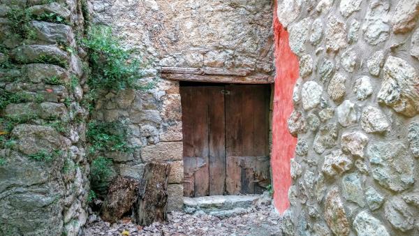 14.06.2015 detall porta  Santa Perpètua de Gaià -  Ramon Sunyer