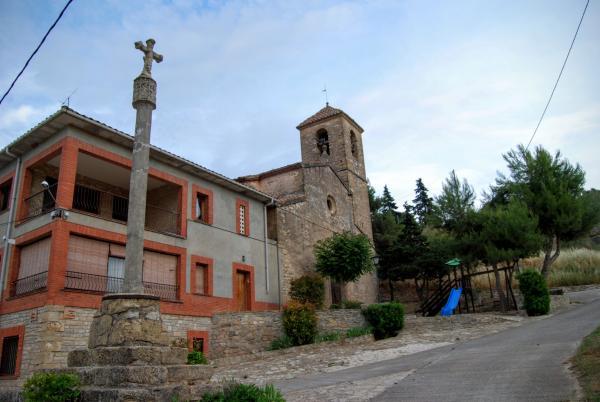 14.06.2015 Església Sant Joan barroc (XVIII) i creu de terme  Biure de Gaià -  Ramon Sunyer
