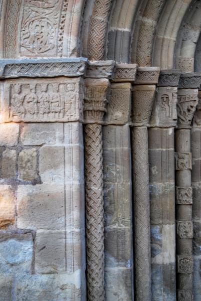 24.06.2015 Santa Maria de Bell-lloc detall capitells  Santa Coloma de Queralt -  Ramon Sunyer