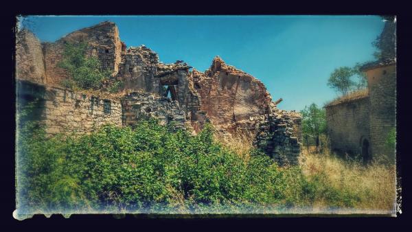 28.06.2015 el poble està deshabitat  Montlleó -  Ramon Sunyer