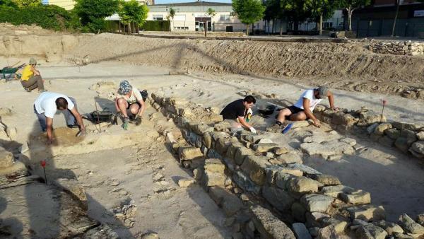 06.07.2015 curs d'arqueologia Ciutat romana de Iesso  Guissona -  Museu Guissona