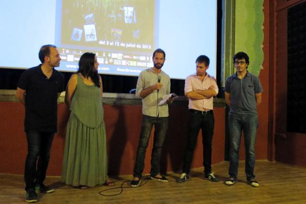 Rober Garcia presentant Lo Cercaurts al teatre de ca l'Eril