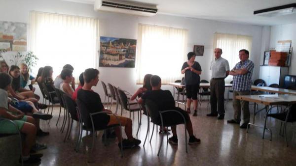 Joves del camp de treball local a Torà