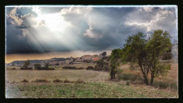 24.08.2014 vista general  Viver de Segarra -  Ramon Sunyer