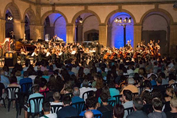 21.07.2015 Concert inaugural amb la Jove Orquestra Nacional de Catalunya  Cervera -  Jordi Prat
