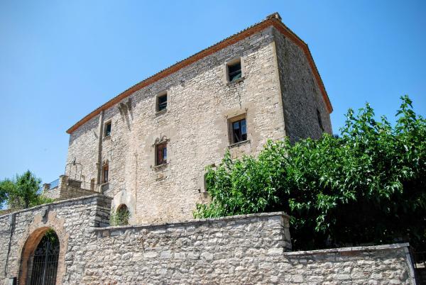 Castle of Estaràs - Author Ramon Sunyer (2015)