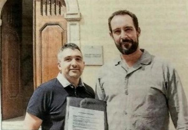 Hug Sierra i Jaume Moya, promotors de la iniciativa, als Jutjats de Cervera