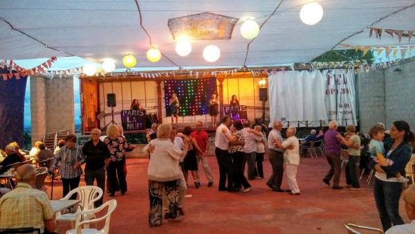 22.08.2015 Ball amb Paris la nuit  Llindars -  Ramon Sunyer