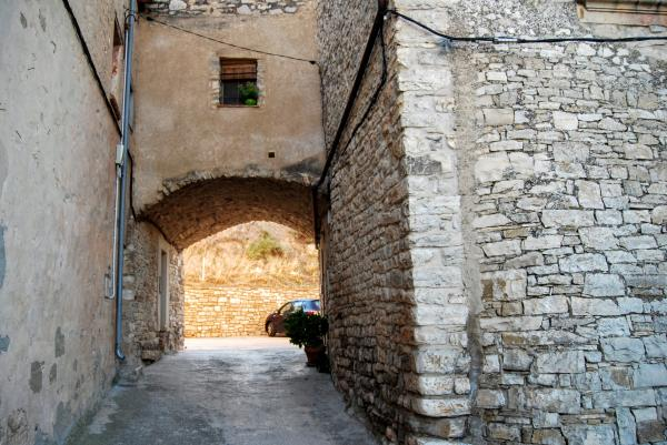 28.08.2015 portal carrer sant Mateu  Granyanella -  Ramon Sunyer