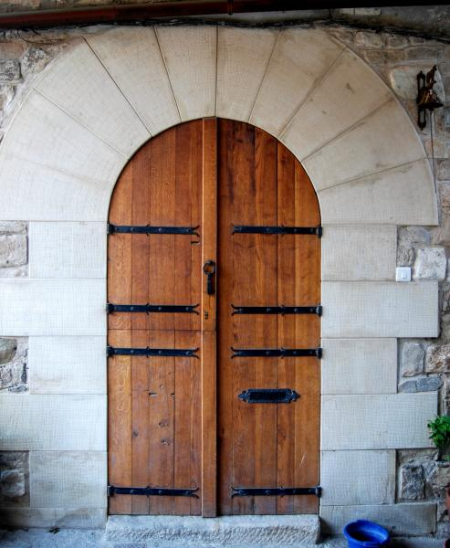 28.08.2015 detall porta  Granyanella -  Ramon Sunyer