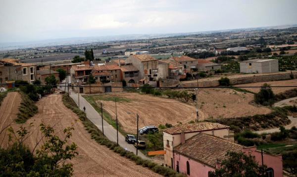 12.09.2015 vista del poble  La Curullada -  Ramon Sunyer