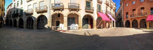 01.11.2015 Porxos de la plaça Gran  Calaf -  Ramon Sunyer