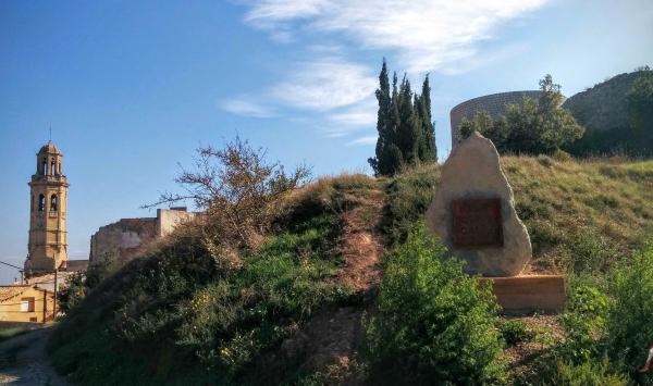 01.11.2015 campanar i el castell  Calaf -  Ramon Sunyer