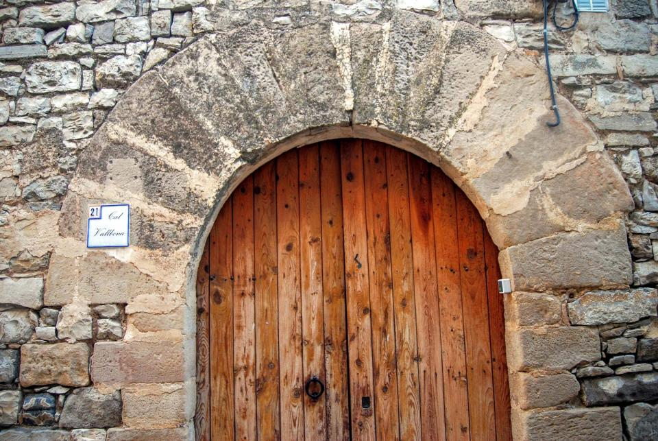 28.08.2015 porta cal Vallbona  Montoliu de Segarra -  Ramon Sunyer
