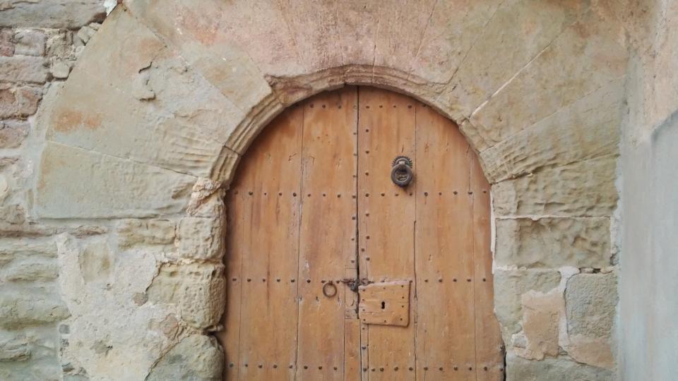 13.09.2014 detall porta  Mont-Roig -  Ramon Sunyer