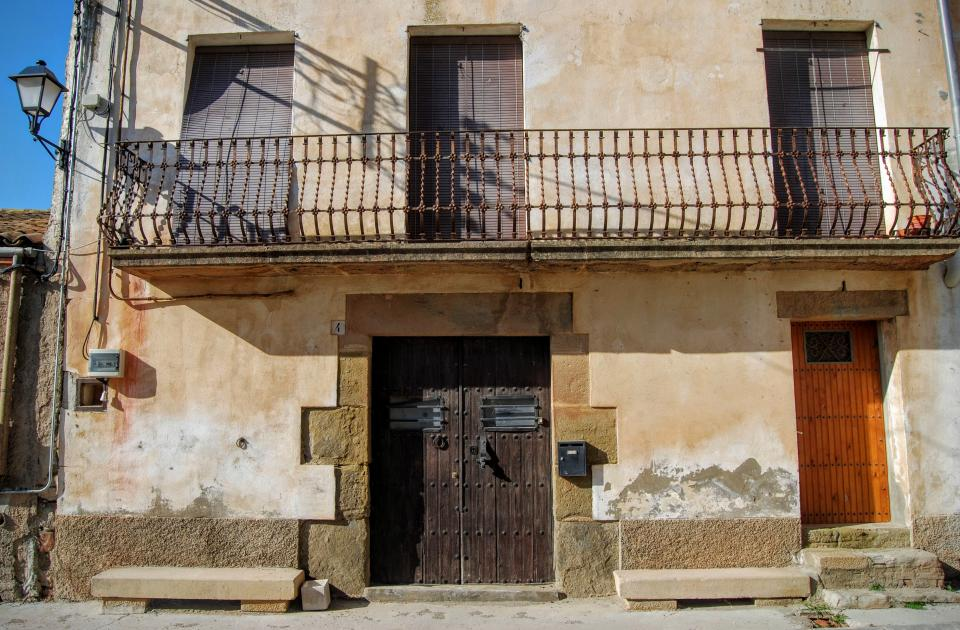 24.01.2016 detall façana  La Cardosa -  Ramon Sunyer