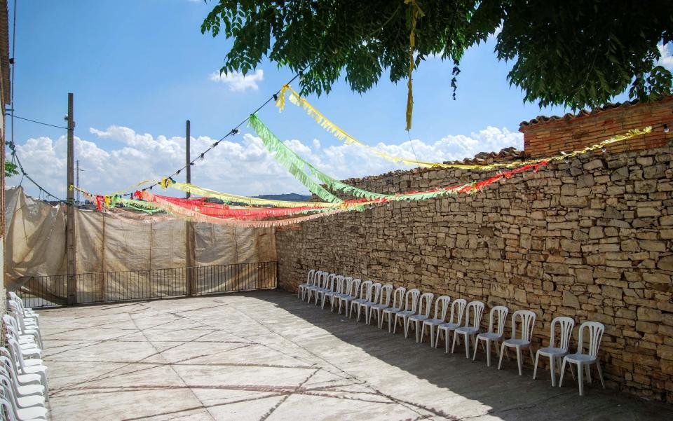 23.08.2015 preparant el ball  El Llor -  Ramon Sunyer