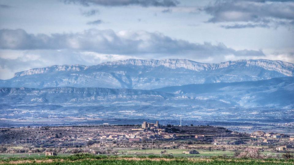 08.02.2016 El Montsec de fons  La Curullada -  Ramon Sunyer